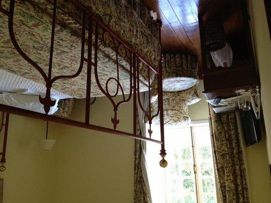 Lawrence's Hotel: Cynthia room