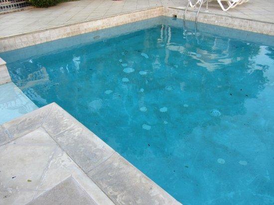 Chenay Bay Beach Resort: Swimming pool