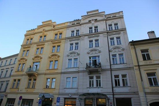 Maximilian Hotel: Extérieur de l'hôtel