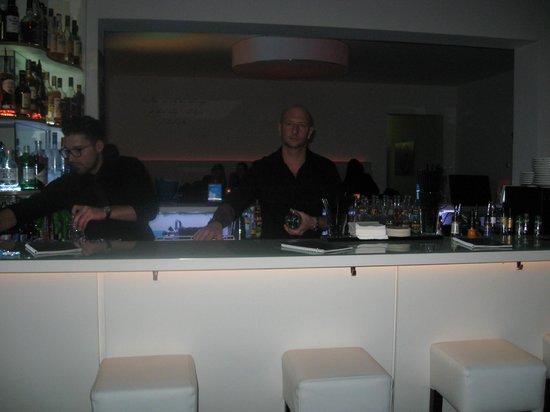 mamo lounge: Der Chef ist selbst an der Bar