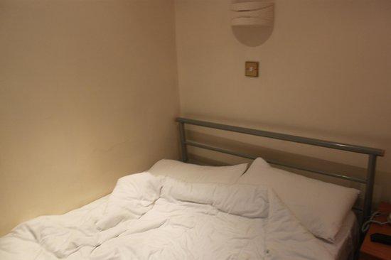 Prince William Hotel : Armature du lit