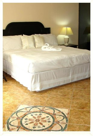 Sevilla Inn: King Suite