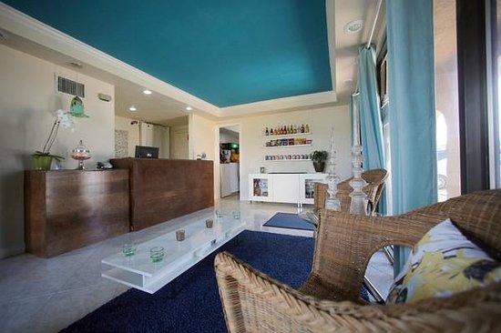 Sevilla Inn: Lobby