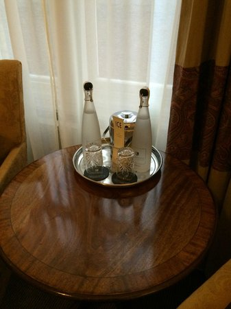 Macdonald Randolph Hotel : complimentary water in room