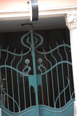 Alberta Iela: Art Nouveau wroght iron gate