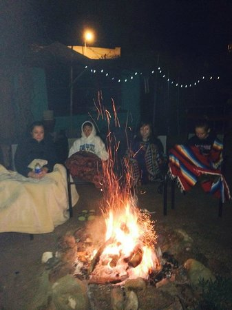 Fire Water Lodge: Hot fire & making s'mores!