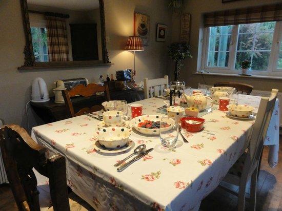 Blackbirds Cottage Bed & Breakfast: Breakfast room