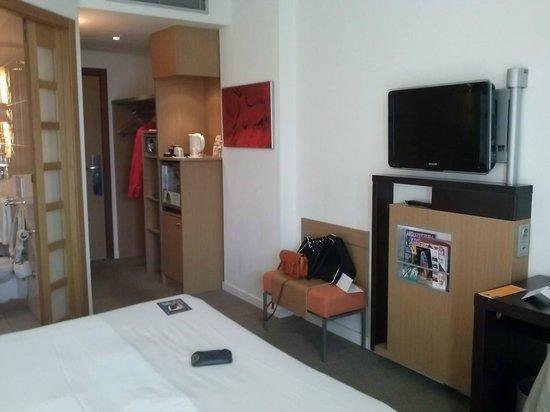 Novotel Barcelona City: Habitación