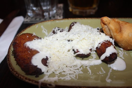 Miami Culinary Tours - Private Tours : Sweet Maduros + Chicken Empanada