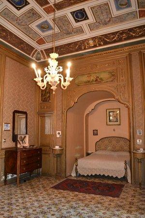 Camera da letto - Foto di Palazzo Conte Federico, Palermo ...