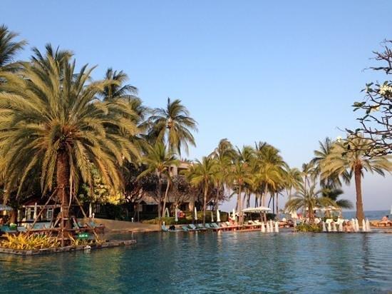 Dusit Thani Hua Hin: Swimming Pool