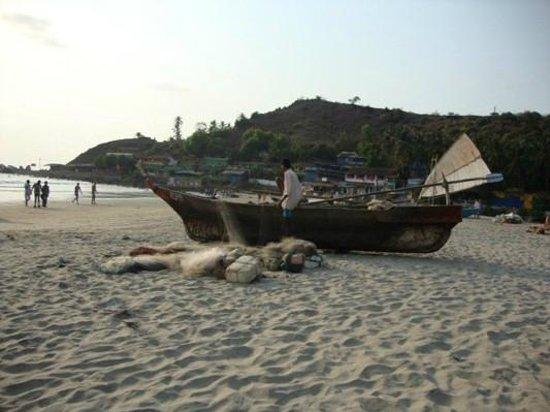 Arambol Residensea: the beach just through the gate