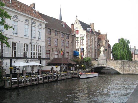Hotel Restaurant Loreto: Прекрасная прогулка по каналам.
