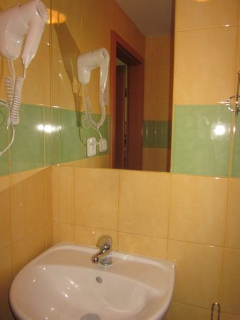 ABE Hotel: Ванная комната