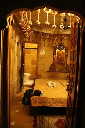 Hotel Shahi Palace: Habitación
