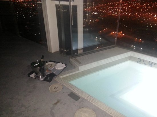 Penthouse Hot Tub Picture Of Palms Place Hotel And Spa At The Palms Las Vegas Tripadvisor