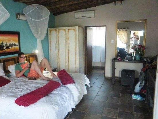 Umlilo Lodge B&B : The interior of room 1