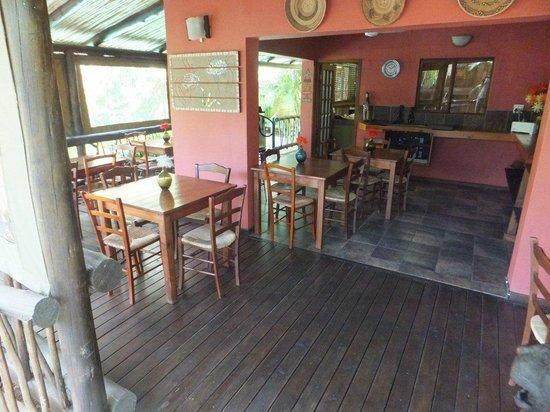 Umlilo Lodge B&B : The breakfast area (included)