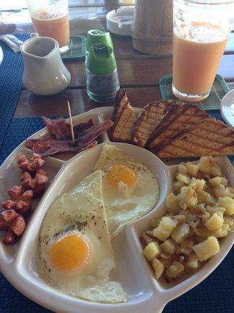 Mojito Extreme: Breakfast feast, yummmy!
