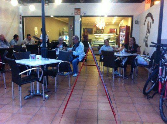 Cappuccino Grand Cafe: Sicuramente il miglior caffè e la migliore pasticceria di playa blanca, complimenti