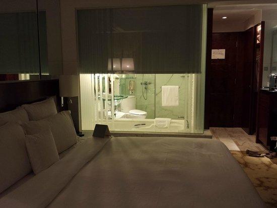 Cordis, Hong Kong at Langham Place: Room