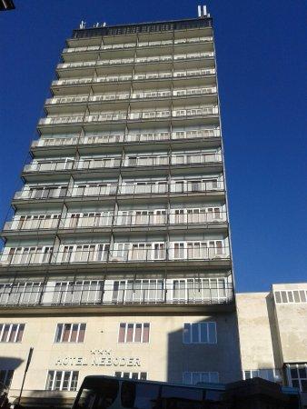 Hotel Neboder: la facciata dell'hotel