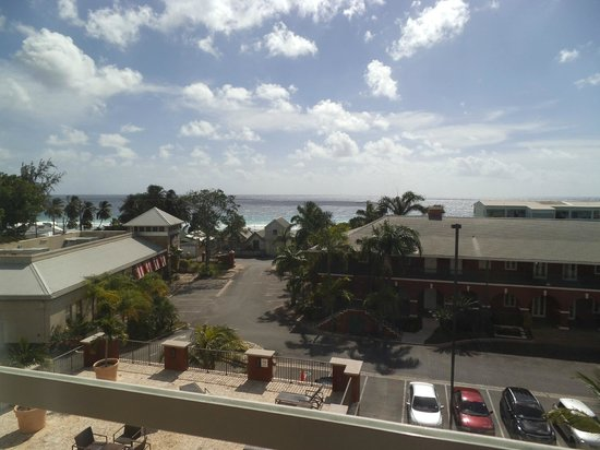 Courtyard Bridgetown, Barbados: From our room overlooking the pool and beach across the road.