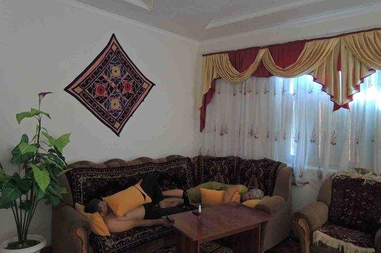 Alibek Guest House: Indoor common area