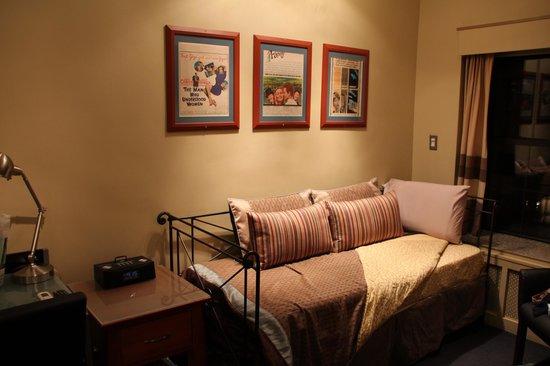 Chelsea Pines Inn: Room 501 - Leslie Caron