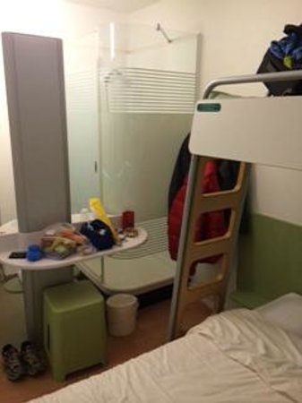 ibis budget Lausanne Bussigny : room