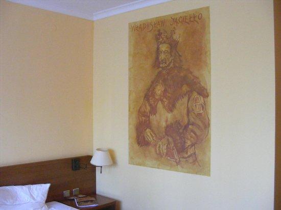 Hotel Stara Poczta: Malowidła na ścianach.