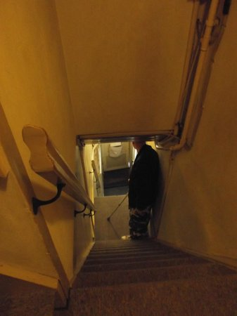 Amsterdam Central Bed and Breakfast: this is the first flight of stairs