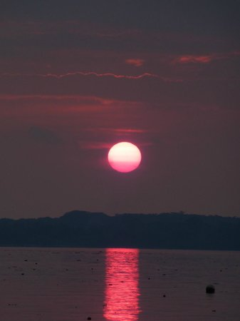 Aore Island Resort: Sunset