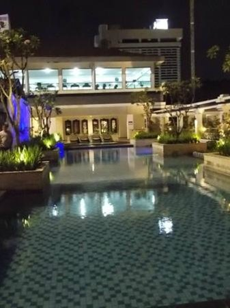 Prama Grand Preanger: Outdoor pool at night
