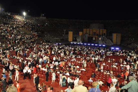 Arènes de Vérone : intervalo de Nabuco