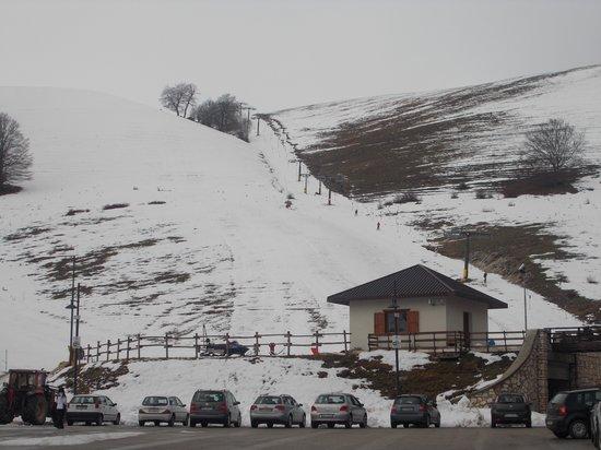 Lu Ceppe Agriturismo: Neve a Selva Rotonda