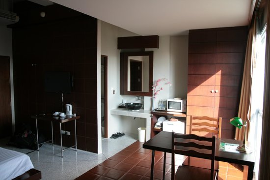 Sino House Phuket Hotel and Apartment: Room