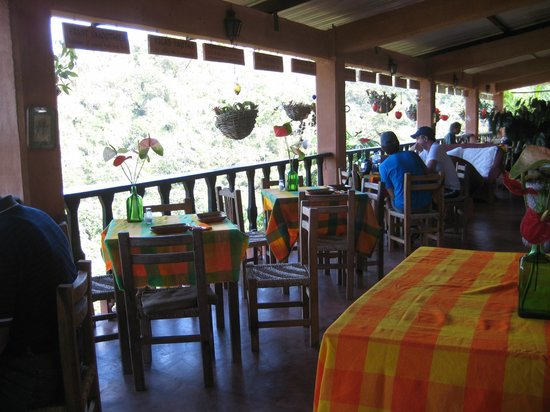 Vallarta Botanical Gardens: Restaurant is on the 2nd floor; attractive and tasty food here.