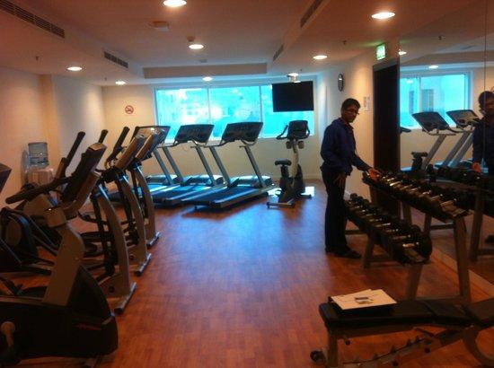 Holiday Bahrain Hotel : fitness center