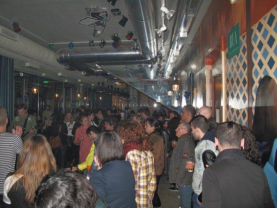 Rua- Tapas & Music Bar: Bar during the concert