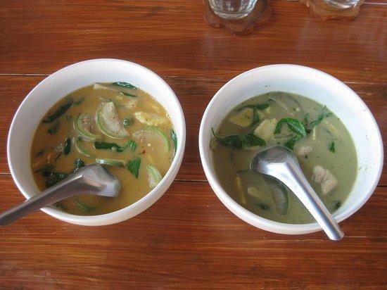 Napalai Thai Cuisine School: curry coups on table