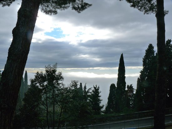 FH Villa Fiesole Hotel: On a foggy morning still beautiful.