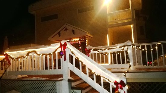 Naomi's Inn: Christmas Lights