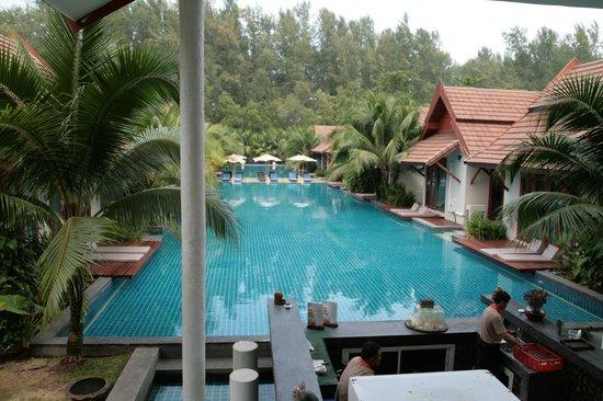L'esprit de Naiyang Resort: Swimming pool
