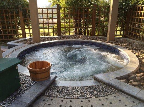 InterContinental Huizhou Resort: Villa - Hot Spring