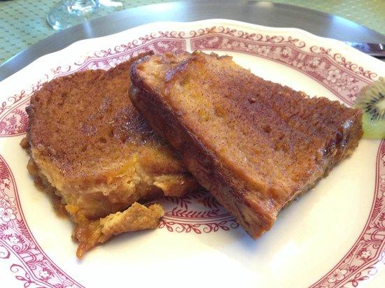 Nutmeg Inn: peach french toast