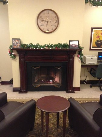 Holiday Inn Oneonta: Lobby
