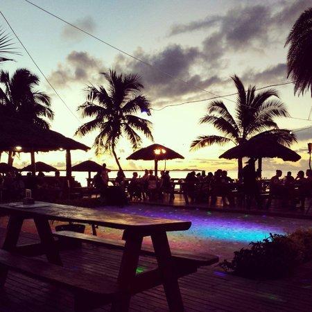 Smugglers Cove Beach Resort & Hotel : Deck.