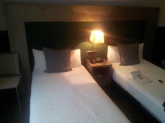 chic&basic Zoo Hotel: Ruimste kamer, 2 1-persoonsbedden
