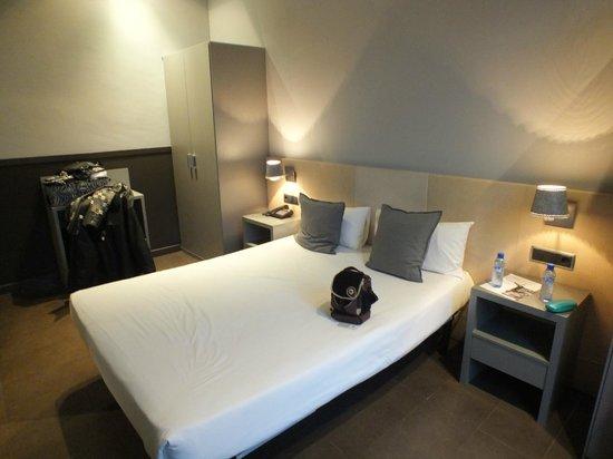 chic&basic Zoo Hotel: Ruimste kamer, 2-persoonsbed